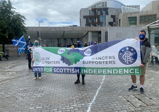 Celtic and Rangers supporters for Scottish independence