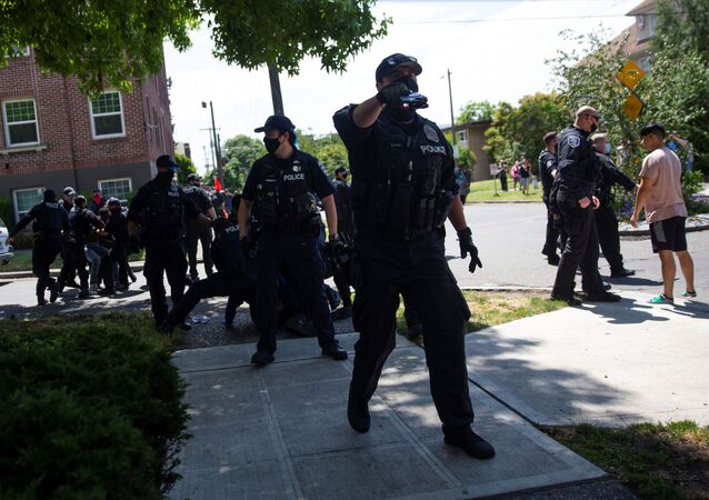 A Seattle Police officer