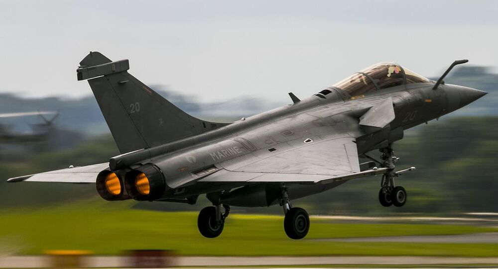 Paris rocked by fighter jet breaking sound barrier