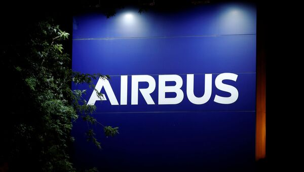 A logo of Airbus is seen at the entrance of its factory in Blagnac near Toulouse, France July 2, 2020 - Sputnik International