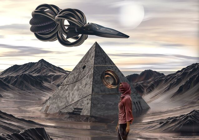 Spaceship pyramid