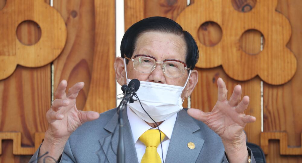 Lee Man-hee, leader of the Shincheonji Church of Jesus, speaks during a press conference at a facility of the church in Gapyeong on March 2, 2020.