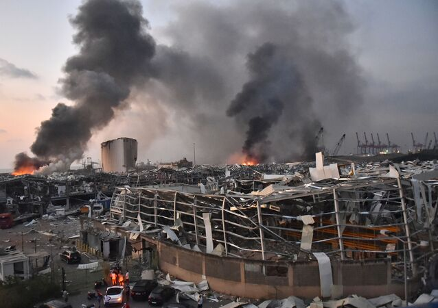 EDITORS NOTE: Graphic content / This picture taken on August 4, 2020 shows a general view of the scene of an explosion at the port of Lebanon's capital Beirut