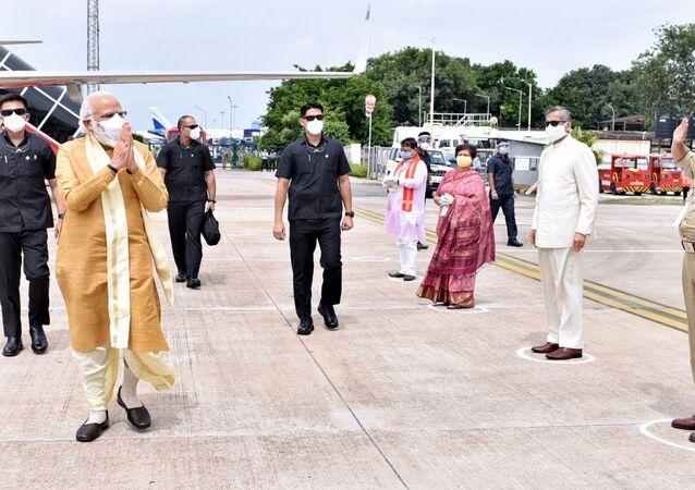 Modi Arriving at Ayodhya