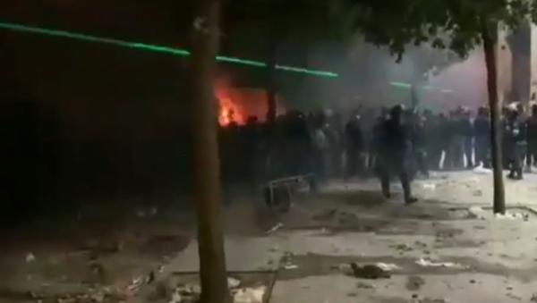 Screengrab from video by Sputnik Arabic correspondent on violence in Beirut, August 8, 2020. - Sputnik International