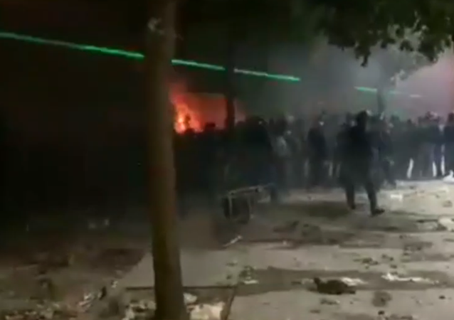 Screengrab from video by Sputnik Arabic correspondent on violence in Beirut, August 8, 2020.