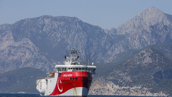 A Turkish research vessel, the Oruc Reis, anchored off the coast of Antalya on the Mediterranean, Turkey, 24 July 2020. - Sputnik International