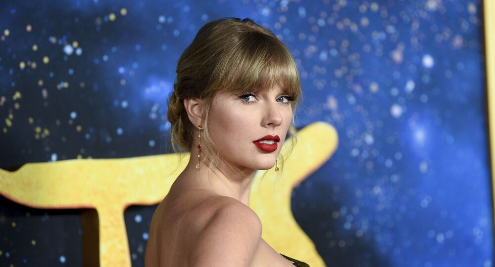 Singer-actress Taylor Swift attends the world premiere of Cats at Alice Tully Hall on Monday, Dec. 16, 2019, in New York