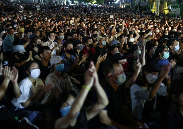 Pro-democracy protesters attend a rally to demand the government to resign, to dissolve the parliament and to hold new elections under a revised constitution, near the Democracy Monument in Bangkok, Thailand, August 16, 2020.
