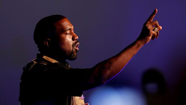 Rapper Kanye West makes a point as he holds the first rally in support of his presidential bid in North Charleston, South Carolina, US, 19 July 2020 - Sputnik International