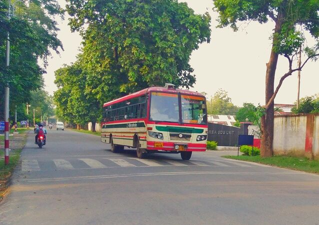 UPSRTC Bus on lal phatak road in Bareilly Cantt