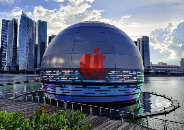 Swung by Marina Bay Sands on my way home today to check out the new Apple Store