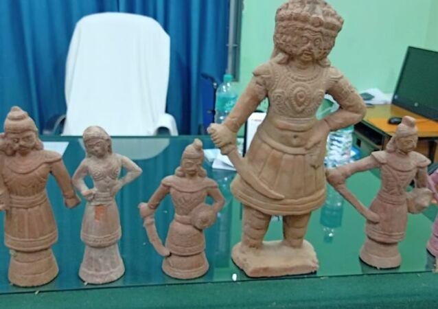 antiques idols