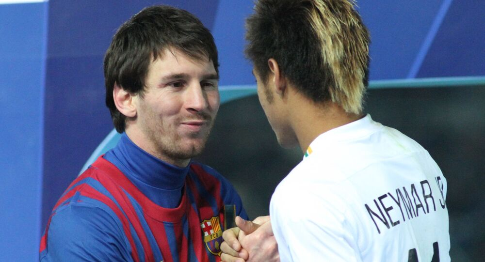 Messi and Neymar shake hands