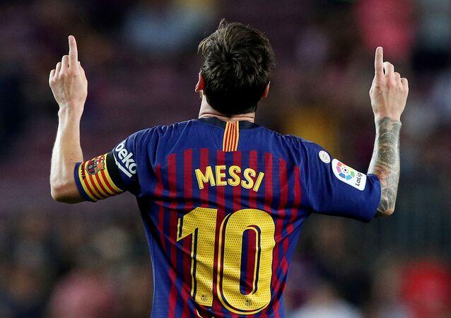 Soccer Football - La Liga Santander - FC Barcelona v Alaves - Camp Nou, Barcelona, Spain - August 18, 2018   Barcelona's Lionel Messi celebrates scoring their third goal.