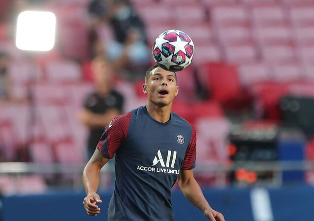FILE PHOTO: Soccer Football - Champions League - Paris St Germain Training - Estadio da Luz, Lisbon, Portugal - August 22, 2020 Paris St Germain's Thiago Silva during training