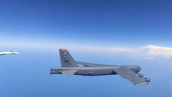 Russian Fighters Scrambled to Intercept US Bomber B-52H Over Black Sea  - Sputnik International