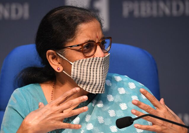 India's Finance Minister Nirmala Sitharaman speaks during a news conference in New Delhi on May 13, 2020. - Indian Prime Minister Narendra Modi unveiled a package worth $266 billion, or about 10 percent of India's GDP, to stimulate the economy.