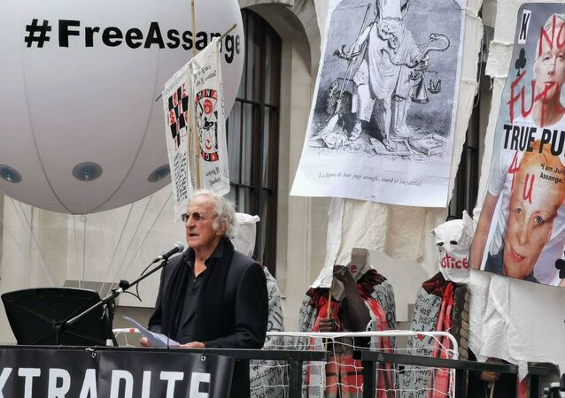 Assange Rally at Old Bailey in London, UK
