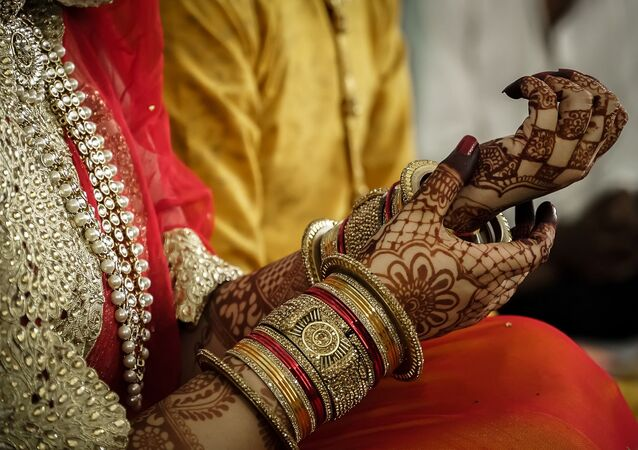 Indian Jewellers Offer Discounts on Ornaments, Despite Fall in Prices to Attract Customers