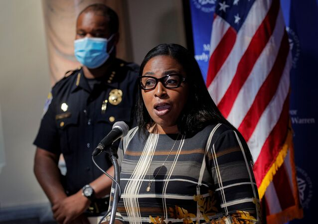 Rochester Mayor Lovely Warren speaks during a news conference with Rochester Police Chief, La'Ron Singletary, regarding the protests over the death of a Black man, Daniel Prude, after police put a spit hood over his head during an arrest on March 23, in Rochester, New York, U.S. September 6, 2020.