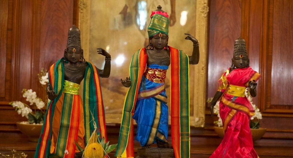 UK Returns Stolen 15th Century Idols of Hindu Deities Ram, Sita, Lakshmana to India After 40 Years