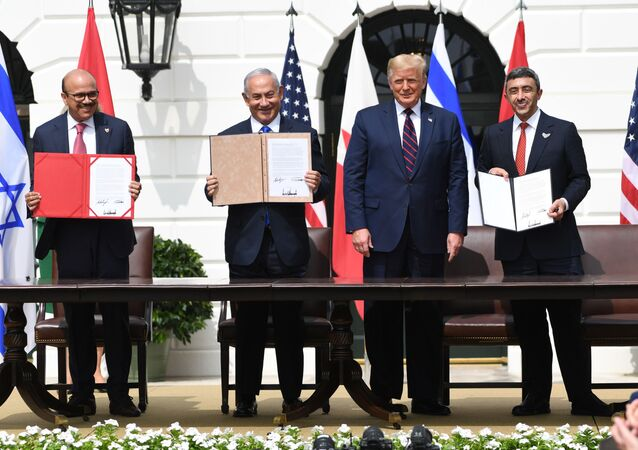 (L-R)Bahrain Foreign Minister Abdullatif al-Zayani, Israeli Prime Minister Benjamin Netanyahu, US President Donald Trump, and UAE Foreign Minister Abdullah bin Zayed Al-Nahyan participate in the signing of the Abraham Accords where the countries of Bahrain and the United Arab Emirates recognize Israel, at the White House in Washington, DC, September 15, 2020. - Israeli Prime Minister Benjamin Netanyahu and the foreign ministers of Bahrain and the United Arab Emirates arrived September 15, 2020 at the White House to sign historic accords normalizing ties between the Jewish and Arab states.