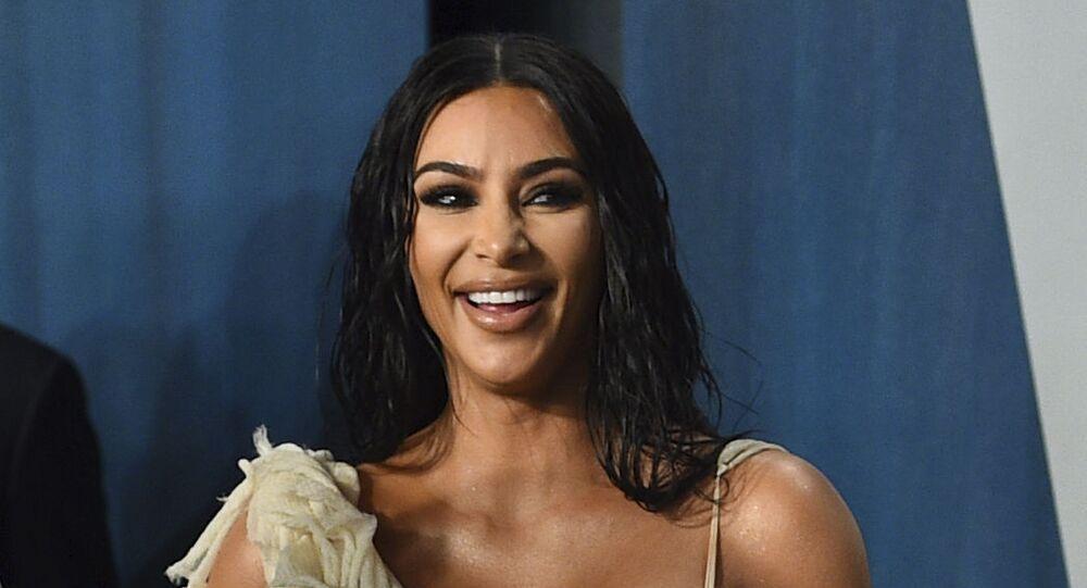 Kim Kardashian arrives at the Vanity Fair Oscar Party on Sunday, 9 February 2020, in Beverly Hills, California