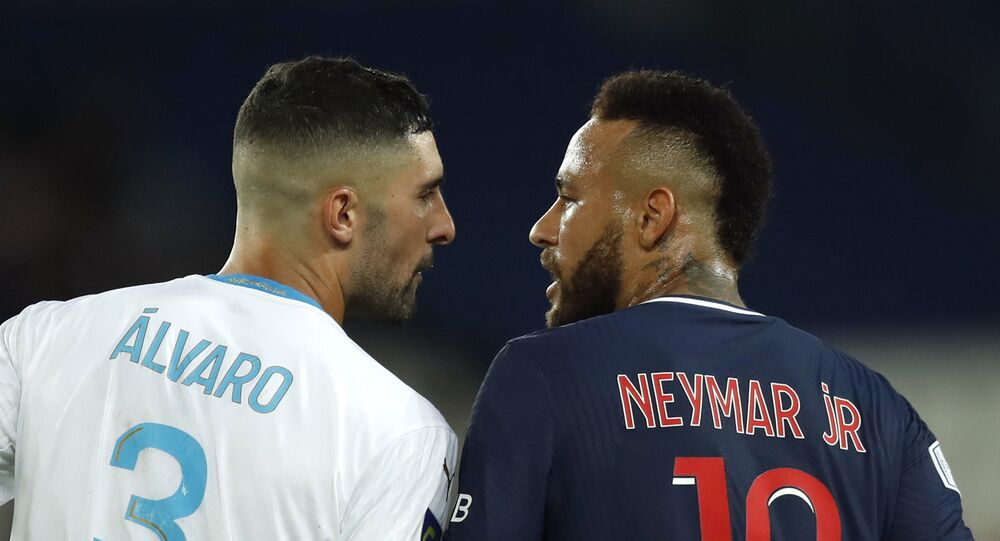 Soccer Football - Ligue 1 - Paris St Germain v Olympique de Marseille - Parc des Princes, Paris, France - September 13, 2020  Paris St Germain's Neymar clashes with Olympique de Marseille's Alvaro Gonzalez