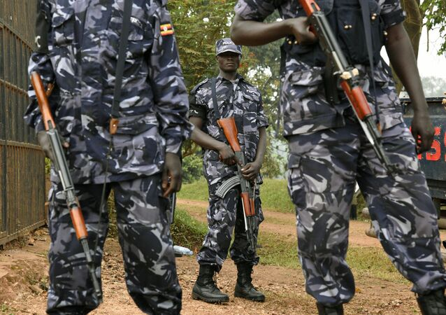 Ugandan police officers stand guard (File)