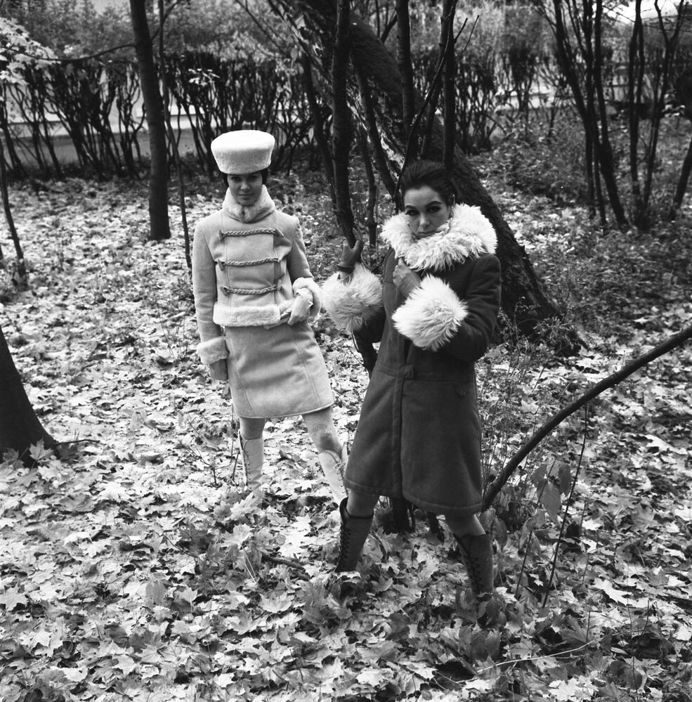 Models demonstrate sheepskin coats from the 1968 autumn-winter collection