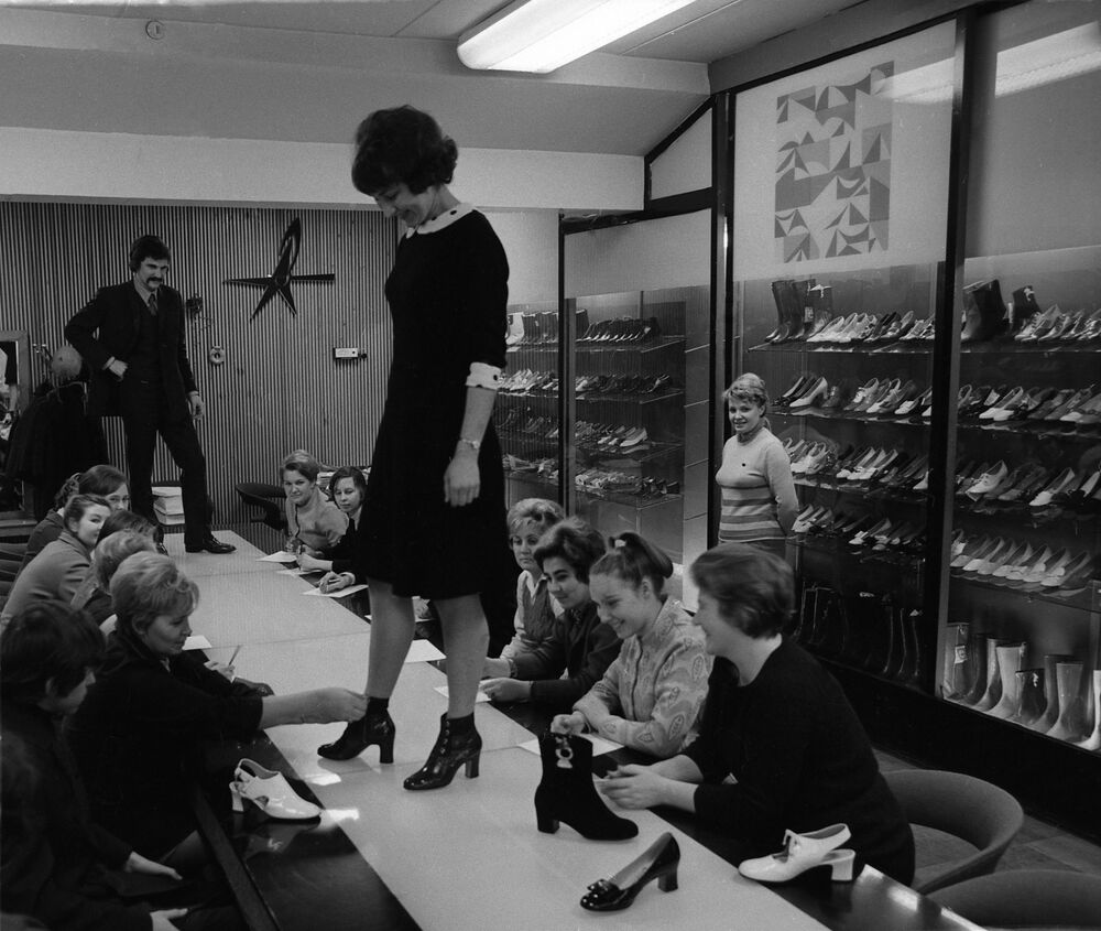 A model demonstrates leather shoes made at the Paris Commune factory in Moscow, 1972