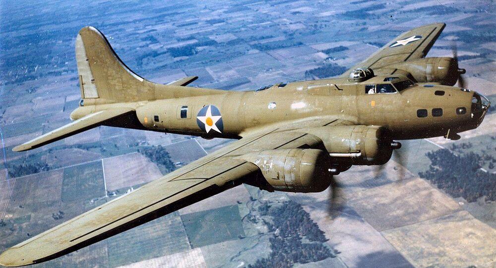 Boeing B-17E in flight