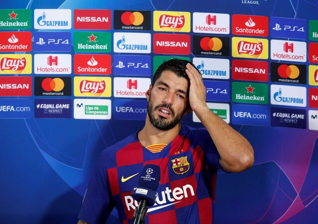 Round of 16 Second Leg - FC Barcelona v Napoli - Camp Nou, Barcelona, Spain - August 8, 2020  Barcelona's Luis Suarez speaks to the media after the match, as play resumes behind closed doors following the outbreak of the coronavirus disease (COVID-19
