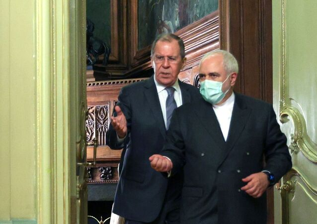 Meeting of Russian Foreign Minister Sergei Lavrov and his Iranian counterpart, Mohammad Javad Zarif. File photo.