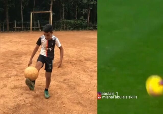 Indian Kid Nails Cristiano Ronaldo's Freestyle Skills to Perfection