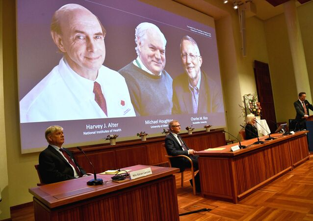 Thomas Perlmann, Secretary of the Nobel Assembly at Karolinska Institutet and of the Nobel Committee for Physiology or Medicine, announces Harvey J? Alter, Michael Houghton and Charles M? Rice as the winners of the 2020 Nobel Prize in Physiology or Medicine during a news conference at the Karolinska Institute in Stockholm, Sweden, October 5, 2020