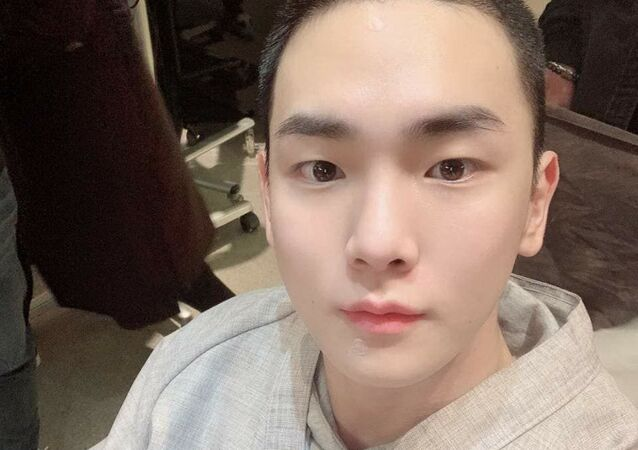 SHINee's Key discharged from military