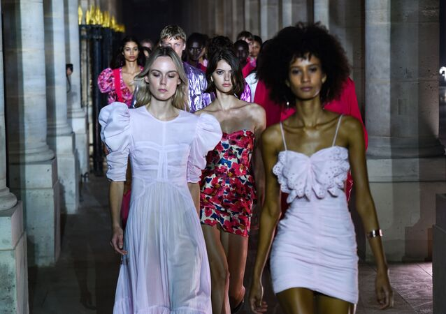 Elegance on Display: Most Beautiful Models During Paris Fashion Week