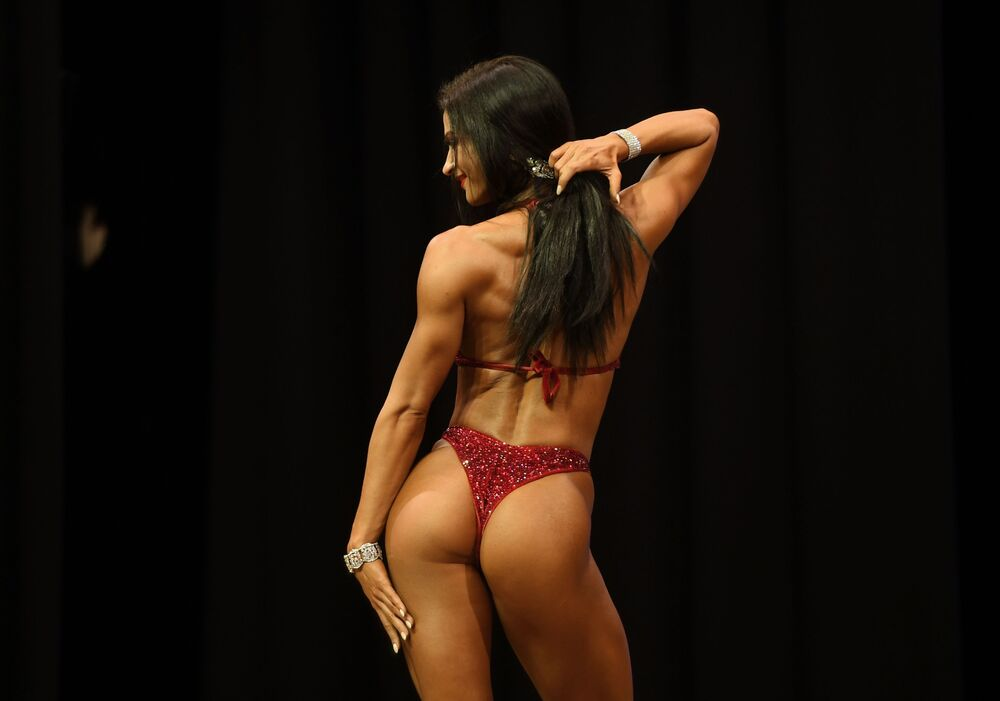 A female bodybuilder during a competition in Kazan