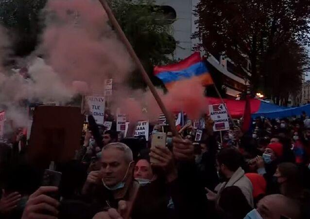 Armenian diaspora protests Nagorno-Karabakh conflict  in Paris