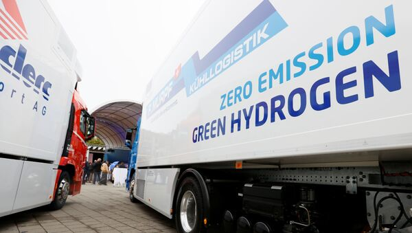 A new hydrogen fuel cell truck made by Hyundai is pictured ahead of a media presentation for the zero-emission transport of goods at the Verkehrshaus Luzern (Swiss Museum of Transport) in Luzern, Switzerland October 7, 2020 - Sputnik International