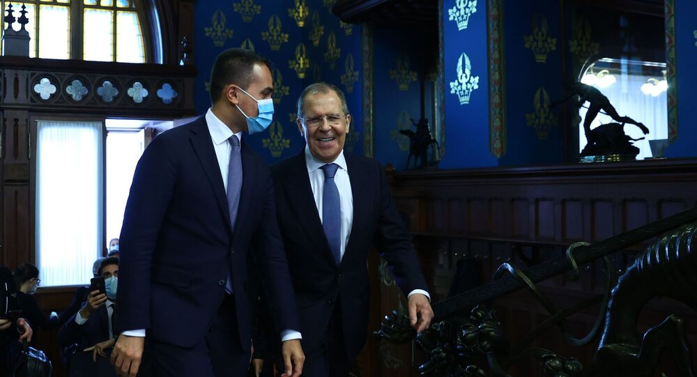 Russian Minister of Foreign Affairs Sergei Lavrov and Italian Foreign Minister Luigi Di Maio during a meeting