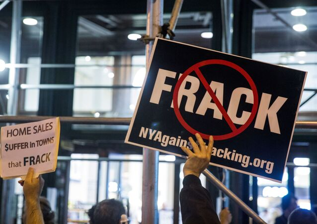 Protesters demonstrate against fracking in New York, October 15, 2014