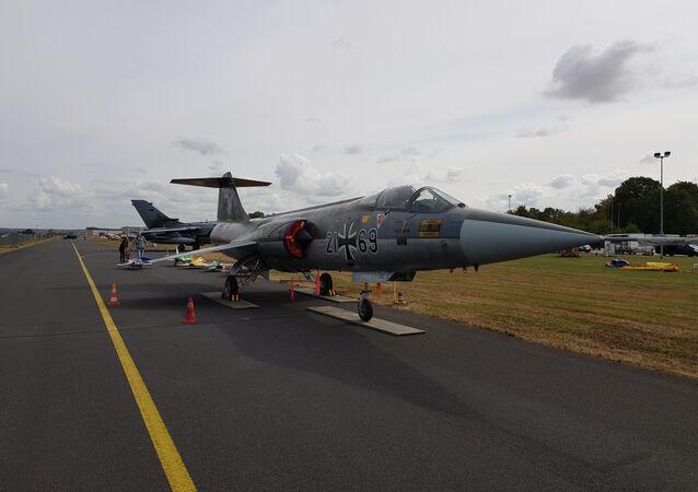 Lockheed F-104G Starfighter Luftwaffe 21+69 seen at the air base in Nörvenich