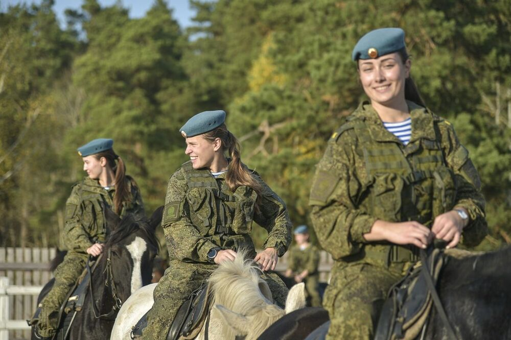 Cadets from the Ryazan Guards Higher Airborne Command School during horse riding practice.