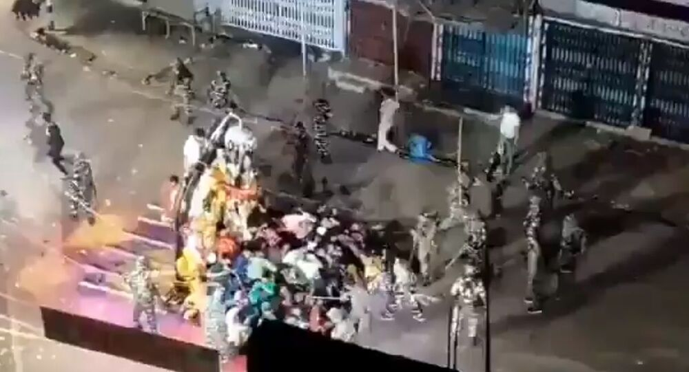 Just like the Palghar one, this video from the famous Munger Durga Visarjan is poetic representation of pathetic state of Hindus in India under the Secular Constitutional setup with a bureaucracy trained under a communist curriculum