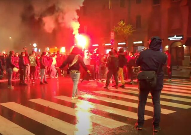 Italy: Tensions flare in Milan at protest against new COVID-19 restrictions