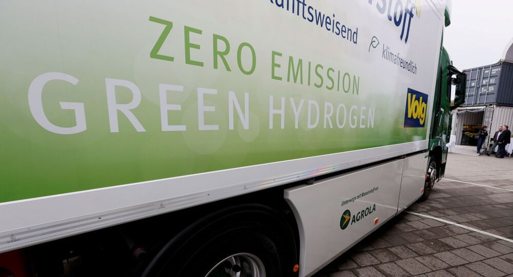 FILE PHOTO: A new hydrogen fuel cell truck made by Hyundai is pictured ahead of a media presentation for the zero-emission transport of goods at the Verkehrshaus Luzern (Swiss Museum of Transport) in Luzern, Switzerland October 7, 2020