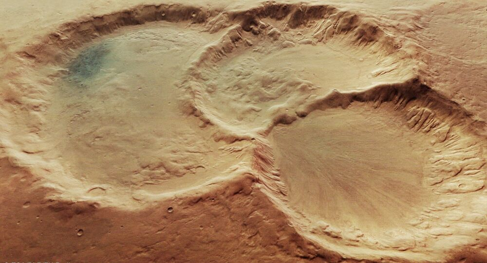 Perspective view of triple martian crater